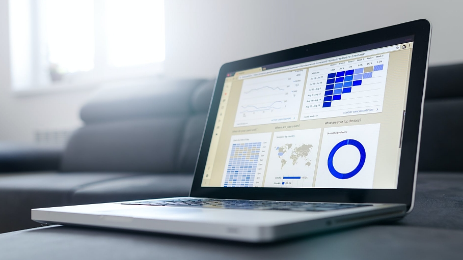 Marketing with Big Data: lazy vs. laser-focused