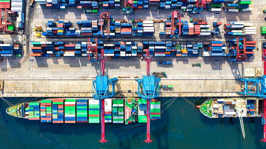 Managing supply chain in a hyper-connected world